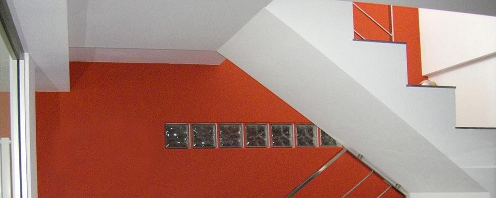 escalera naranja